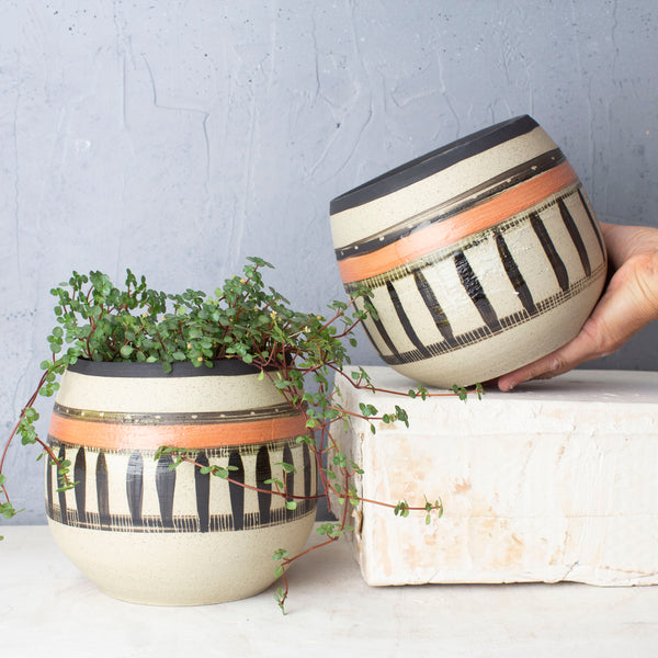 Textured Spotted Path Rounded Vessel // Planter  - Black