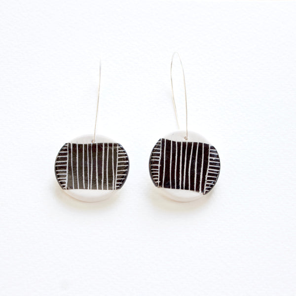 Linear Stripe Medium Drop Earrings - Black