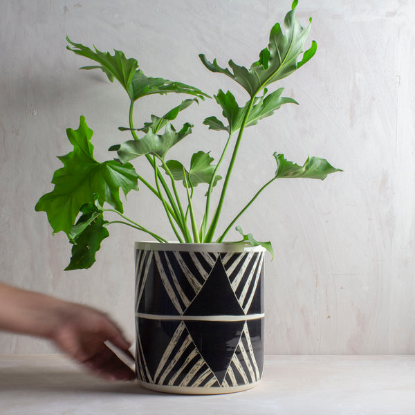 Oblique XXL Jumbo Planter - Black
