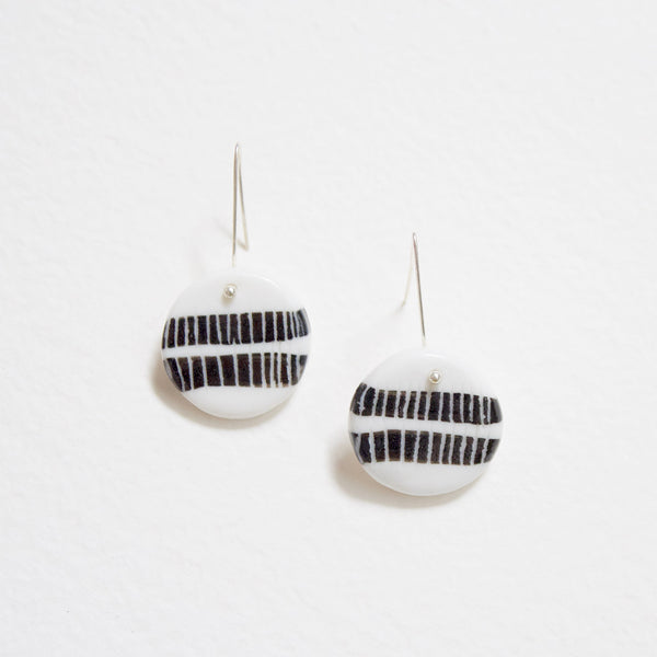 Two Stripes Little Drop Earrings - Black