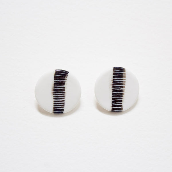 Single Stripe Medium Studs - Black