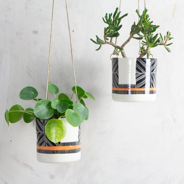 Crossweave - Medium Hanging Planter  - Black & Nasturtium