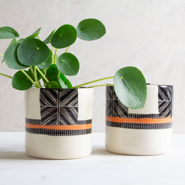 Crossweave Medium Planter - Black & Nasturtium