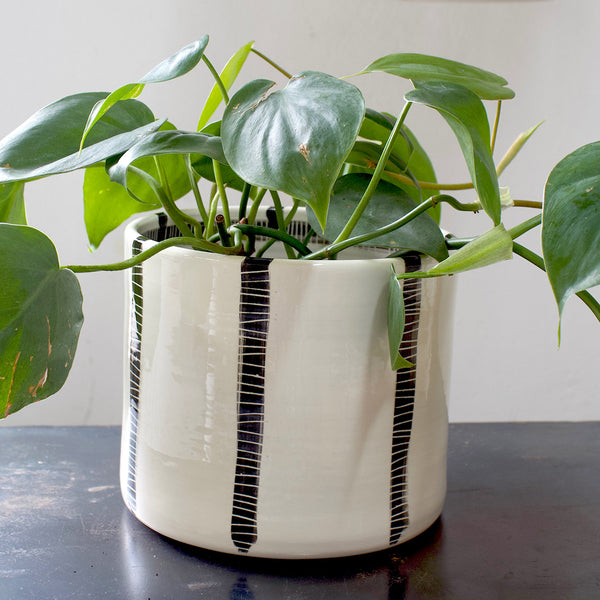 Vertical Stripe Big M Planter - BW