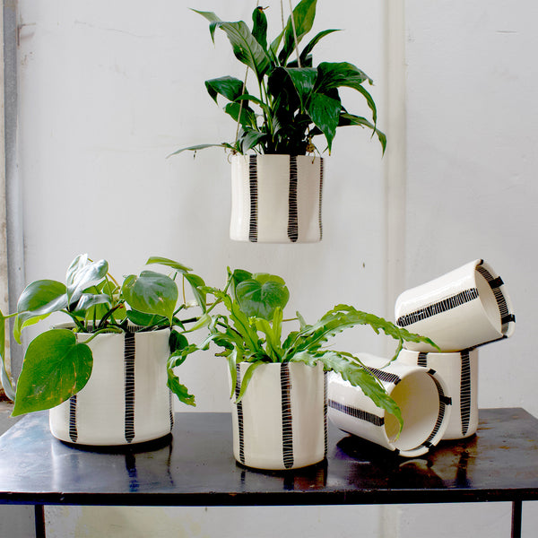 Vertical Stripe Medium Planter - Black