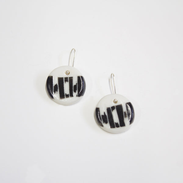 Tracks Little Drop Earrings - Black