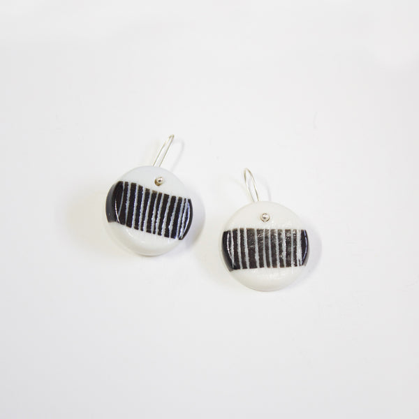 Heavy Stripe Little Drop Earrings - Black