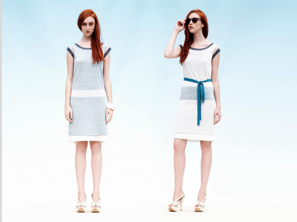 2 WAYS. Reversible 2-colorway-in-one straight dress with contrast sash