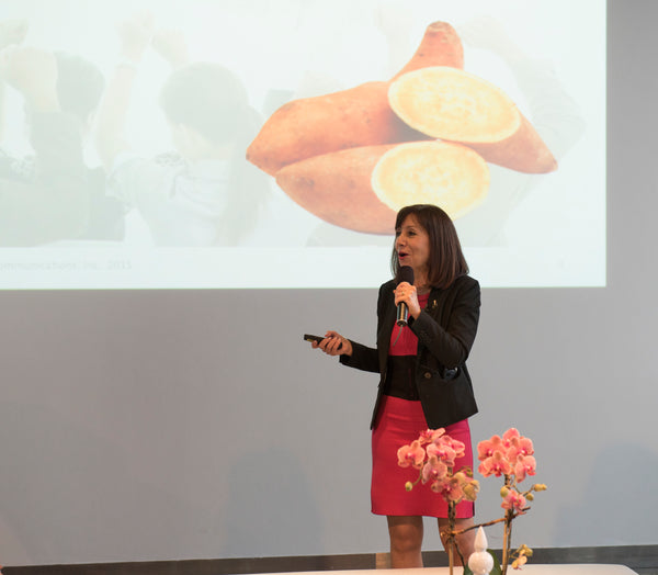 Diane DiResta wearing the reversible Erin, speaking at the International Live Events Association's Event at Glasshouse, New York.