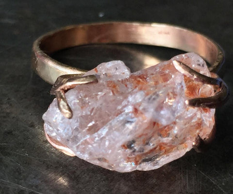 Sparkling raw peach morganite ring, 14K gold