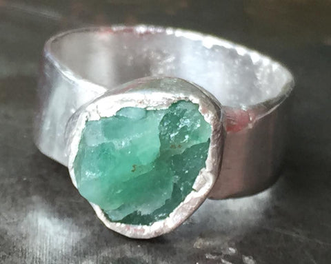 Rough emerald ring in fine silver