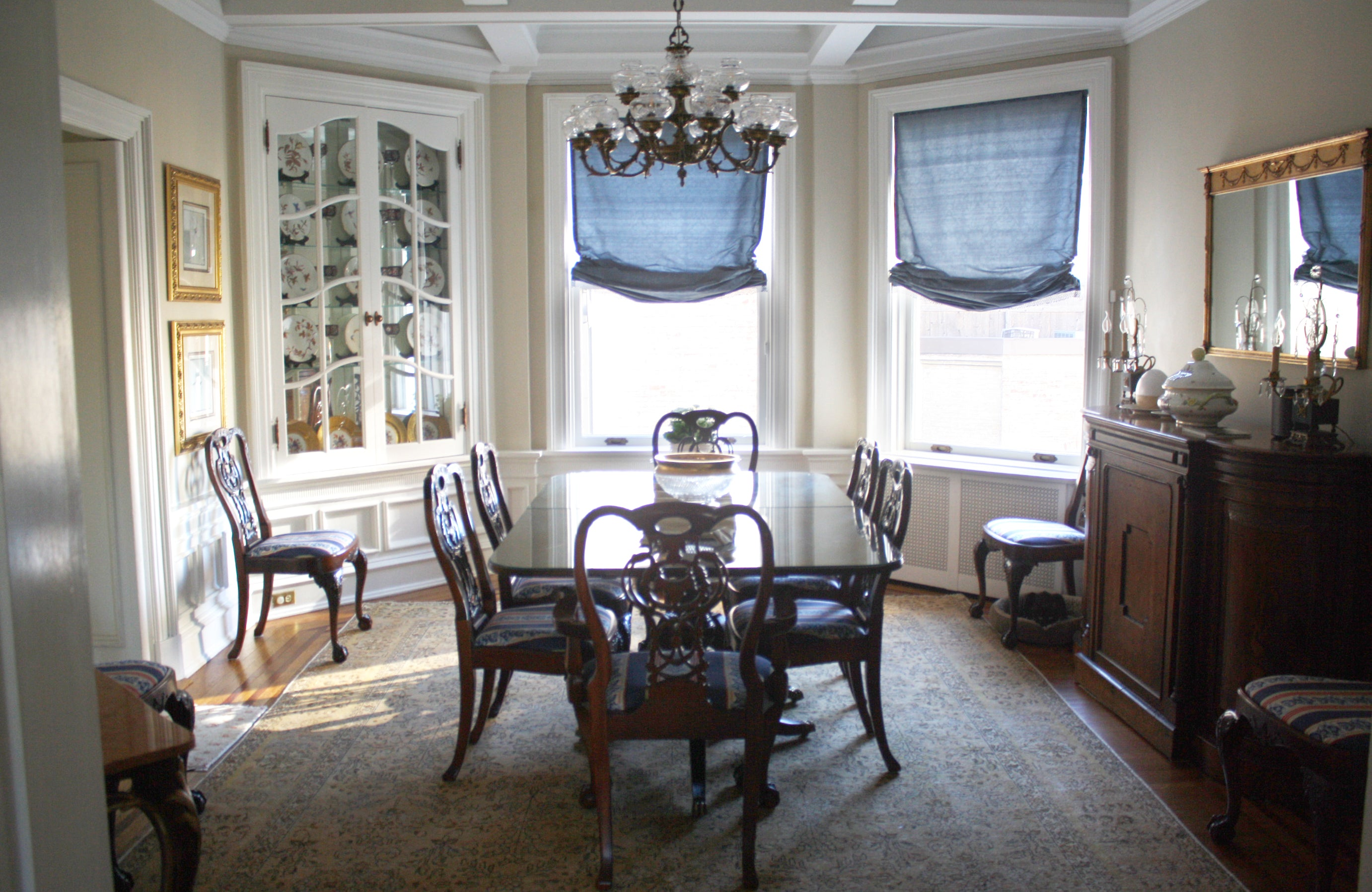 Dining room with persian rug