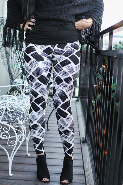 Leggings- White And Black Brushstroke Print Leggings