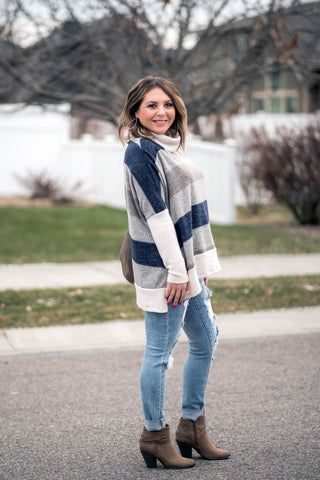 Artic Chill Sweater In Navy Stripes-Small