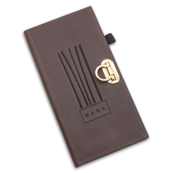 Leather check presenter book in brown leather.