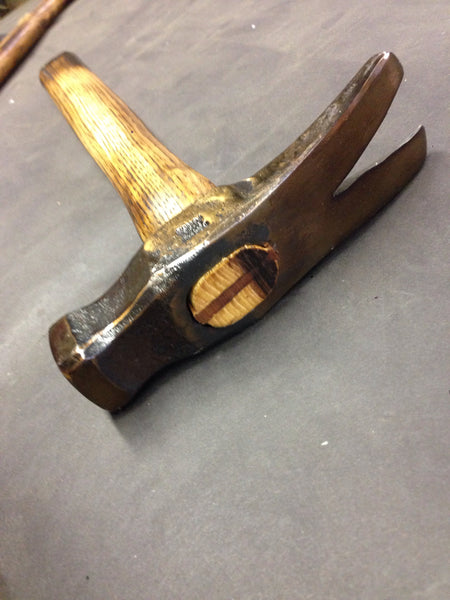 Carpenter's claw hammer