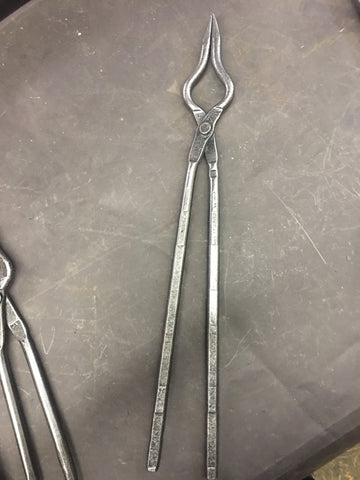 Everyday scroll tongs