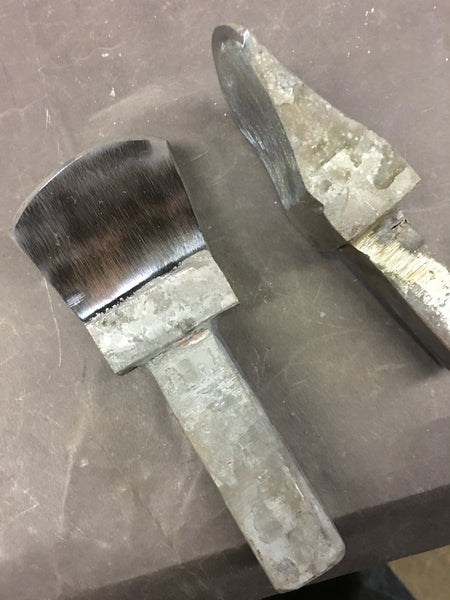 Blacksmiths hardy cut off tool