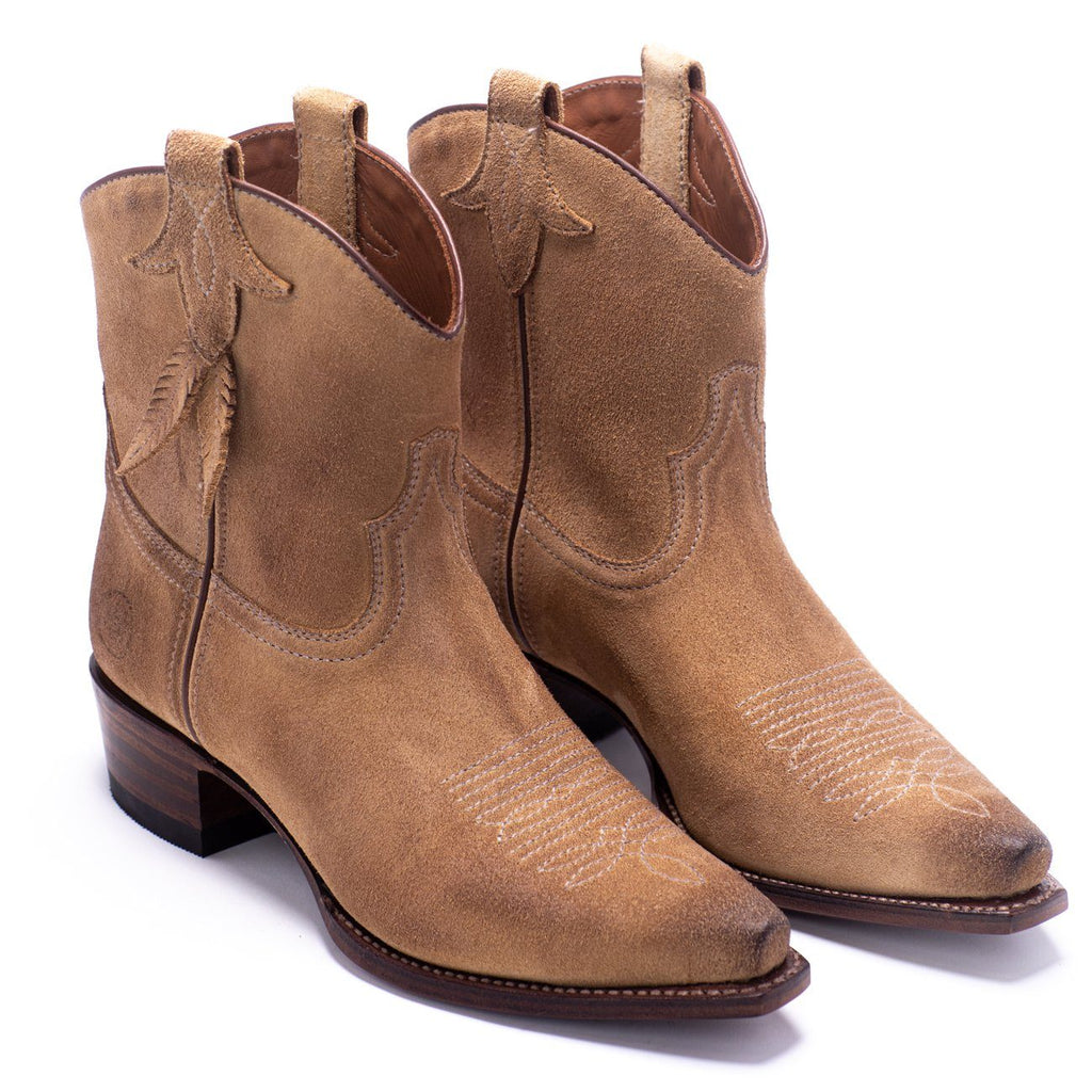 RANCH ROAD BOOTS - WOMENS BOOTS - WESTERN BOOTS - BLUEBELL FEATHER - BOOTIES