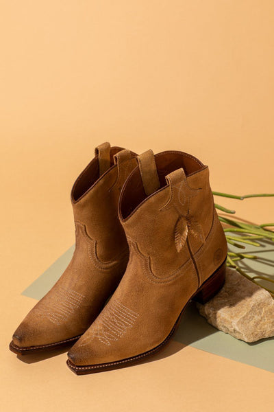 Boot - Bluebell Feather Camel