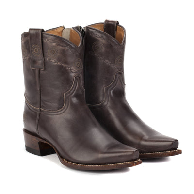 Ranch Road ROSETTE SHORT WESTERN BOOTS in GREY