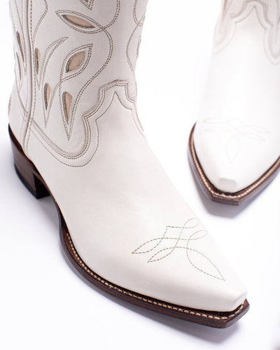 Womens Sagebrush White Leather Cowboy Boot - Ranch Road Boots™ Side Front Toe View