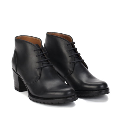 Womens Starr Black - Lace-up Leather Boots - Ranch Road Boots™ Side Front Pair View