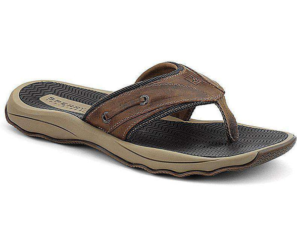 Sperry Outer Banks Thong Sandal In Brown Leather Country