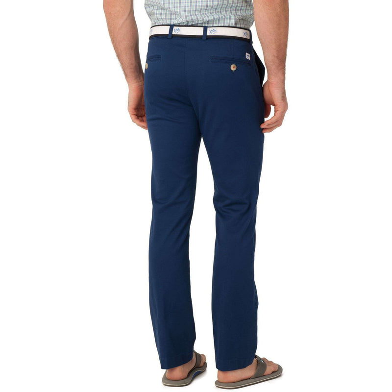 Men's Pants - Channel Marker Tailored Fit Summer Pants In Yacht Blue By Southern Tide