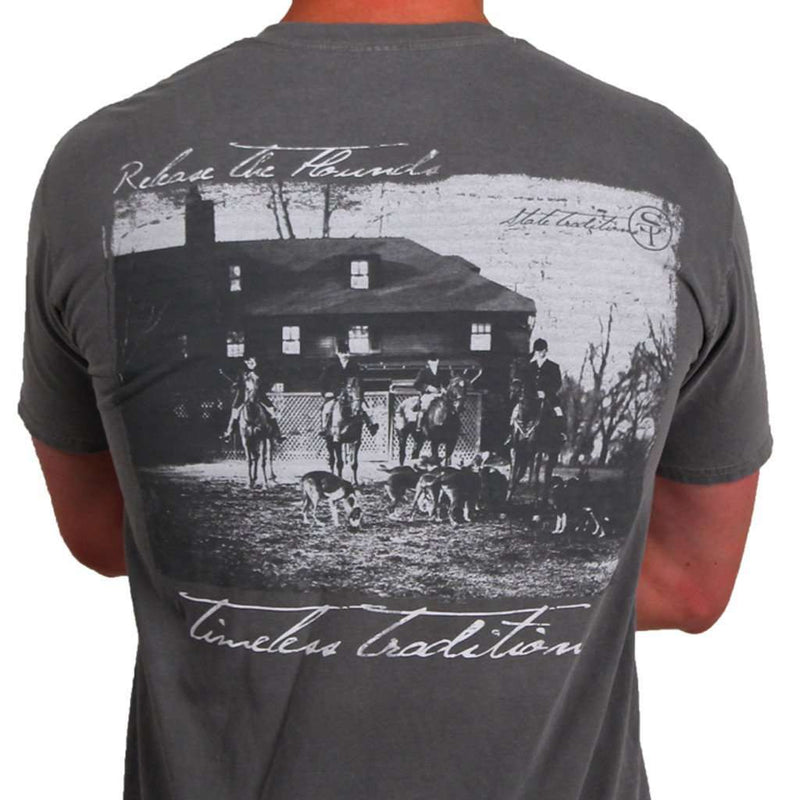 Men's Tee Shirts - Timeless Traditions Hounds T-Shirt In Grey By State Traditions
