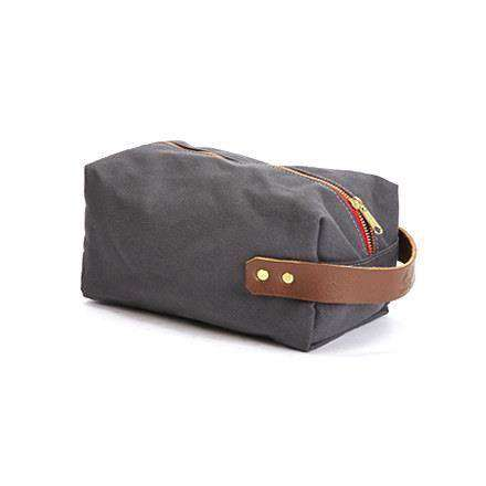 Travel & Gym - Duck Island Dopp Kit In Smoke By Blue Claw Co.