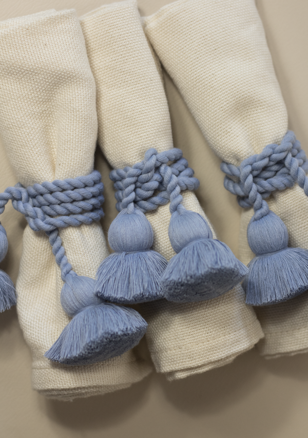 Raw Cotton Napkins and Light Blue Napkinrings - Lula Mena