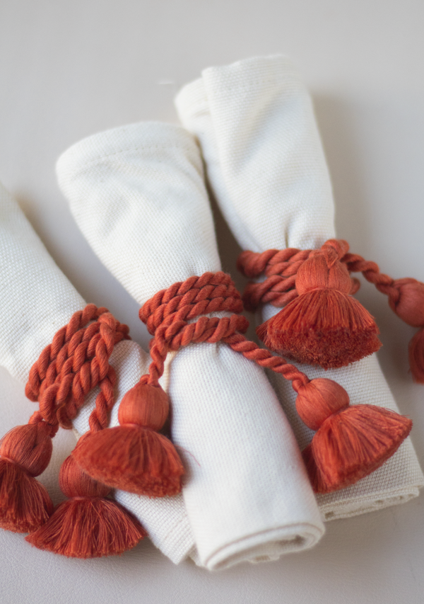 Raw Cotton Napkins and Brick Napkinrings - Lula Mena