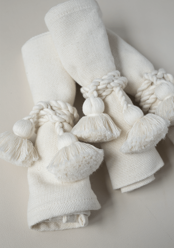 Raw Cotton Napkins and White Napkinrings - Lula Mena