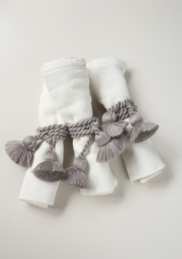 Raw Cotton Napkins and Grey Napkinrings - Lula Mena