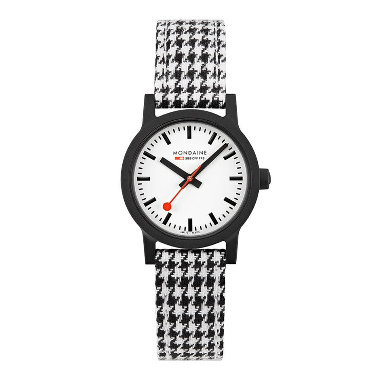 Sustainable Materials: Petite Black Case Houndstooth
