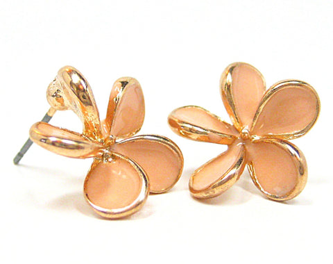 Aida Petal Stud Earrings in Peach