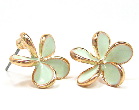Aida Petal Stud Earrings in Mint