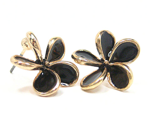 Aida Petal Stud Earrings in Black