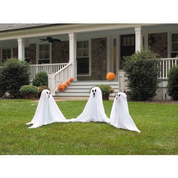 Ghostly Group Lawn Décor