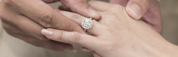 Tips on How an Engagement Ring Should Fit