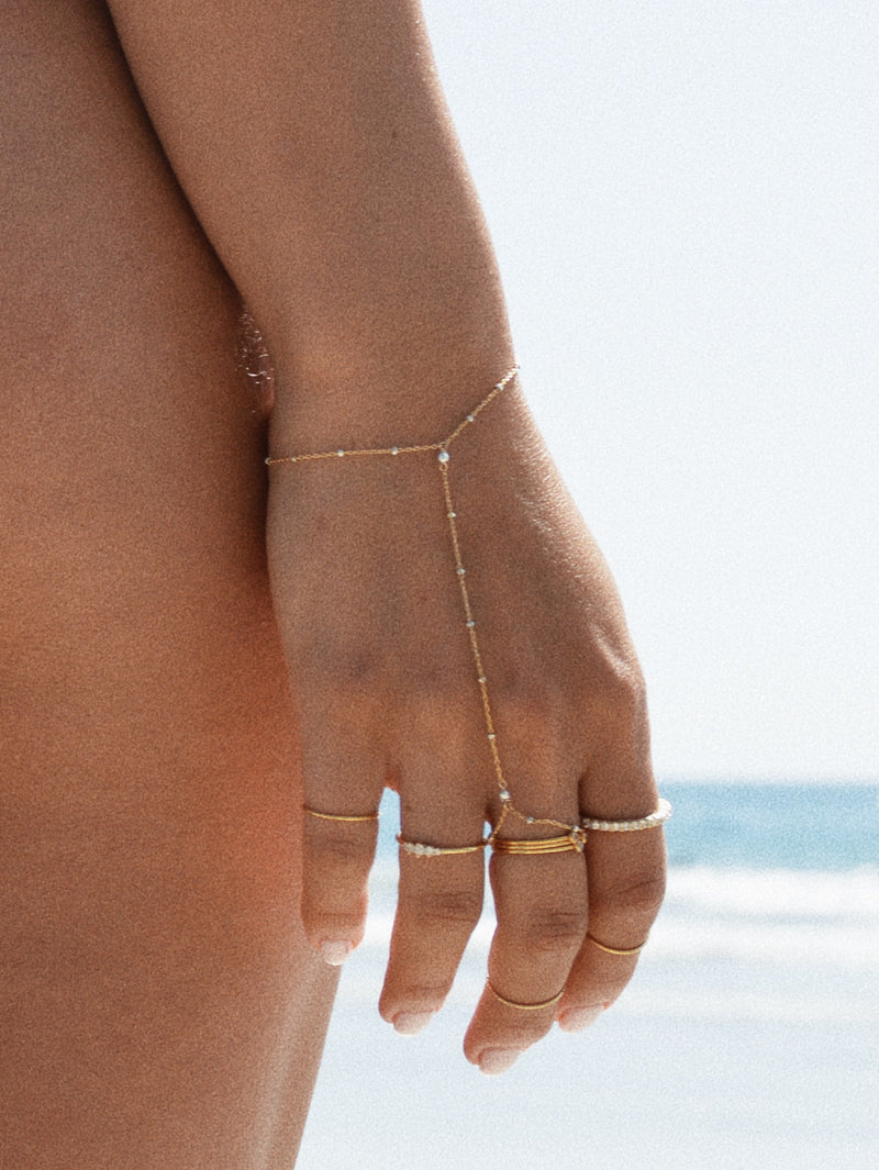 Diamond Cut Handchain - Gold