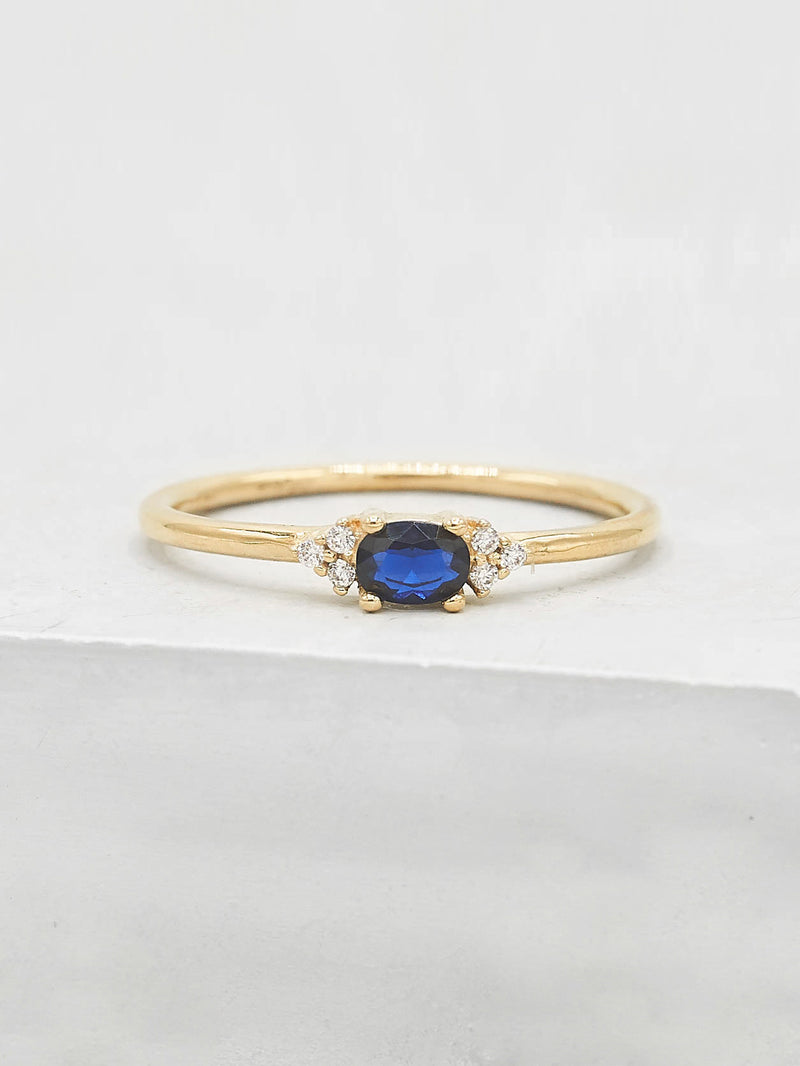 Dainty Oval Ring - Blue