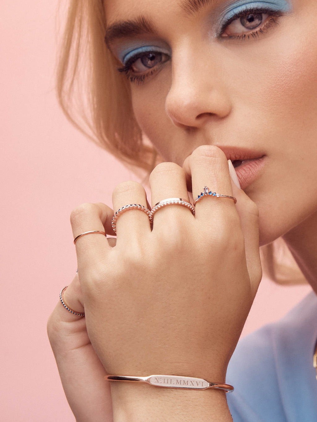 Marquise V Ring - Rose Gold + Blue