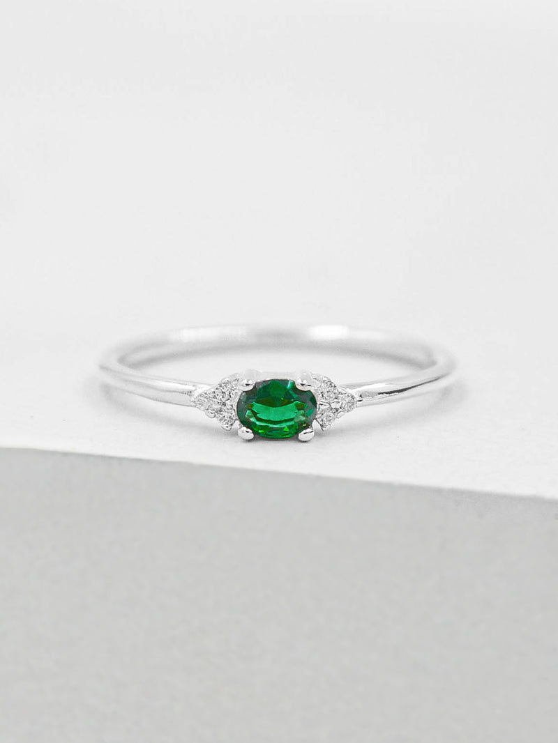 Dainty Oval Ring - Emerald