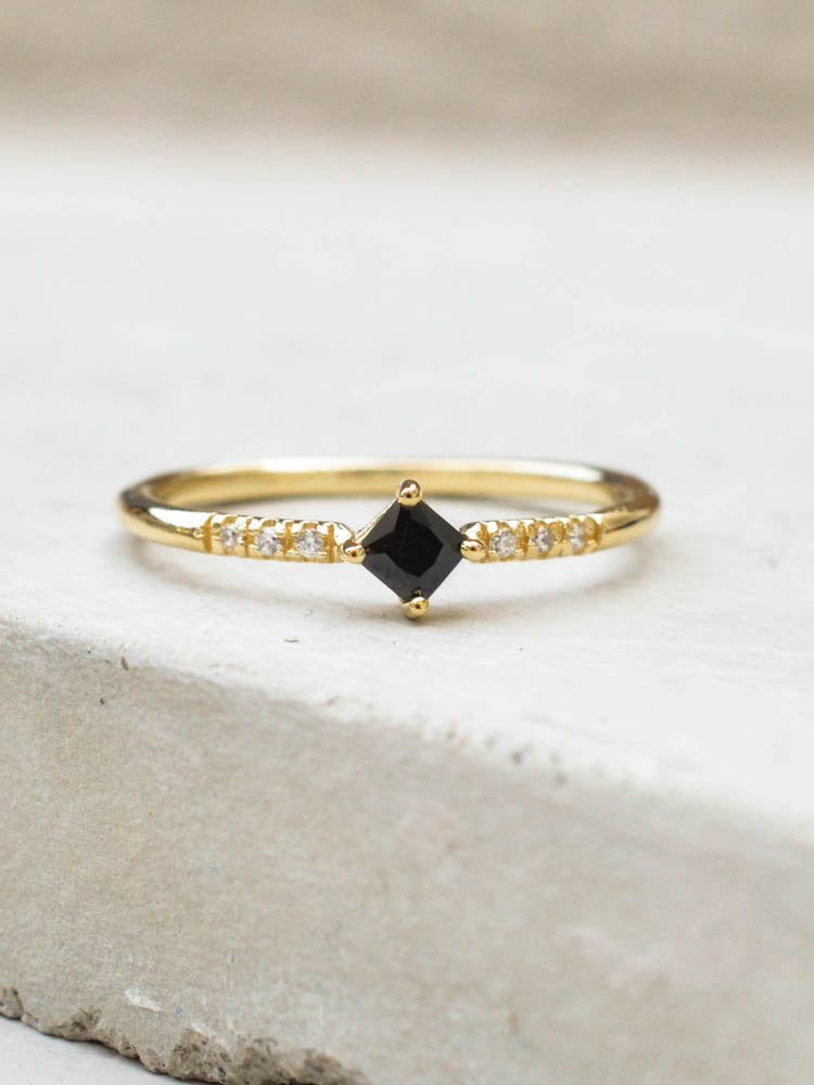 Diamond Shaped Ring - Gold + Black