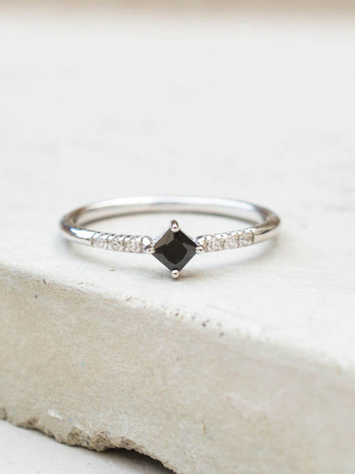 Diamond Shaped Ring - Silver + Black