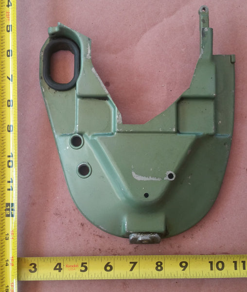 ~Vintage 1955 Johnson QD-16 Seahorse 10Hp Lower Front Motor Cover 0304004 304004