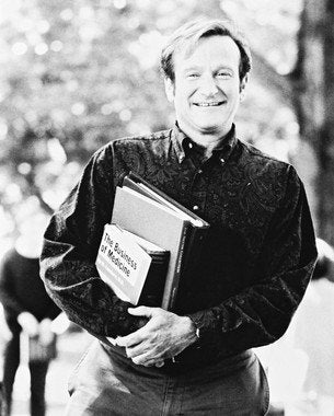 Robin Williams Carrying Books  8x10 Photograph