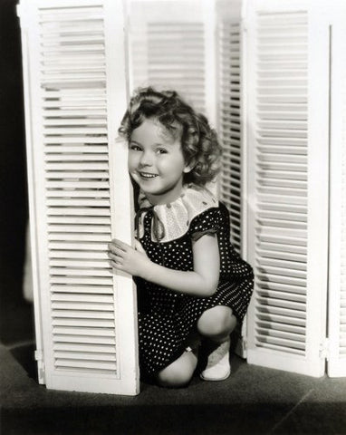 Shirley Temple Kneeling By Shutters 8x10 Photograph